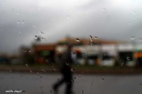 آن مرد بارانی ..