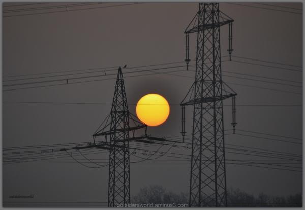 Sunrise ... between the energy…!!!