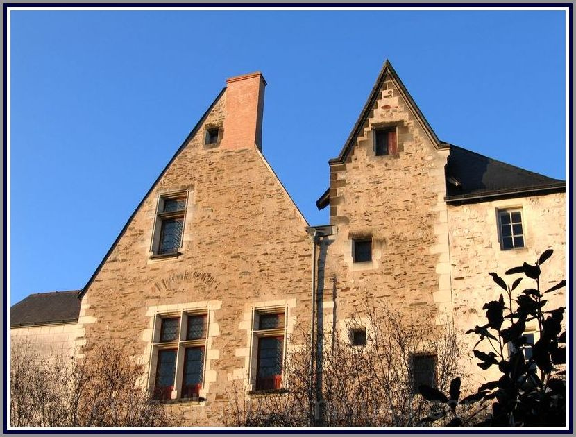 Belles maisons anciennes angevines