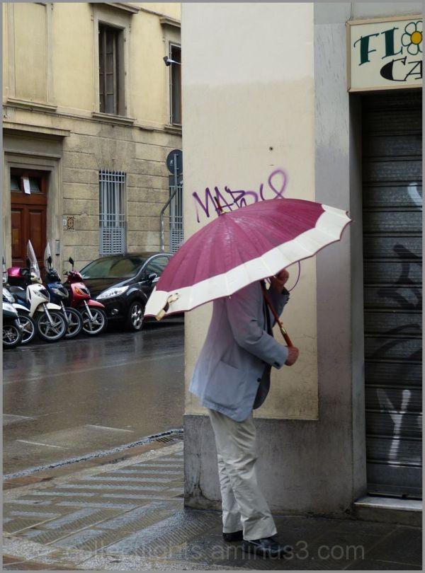 Graffitis à la pointe de parapluie !