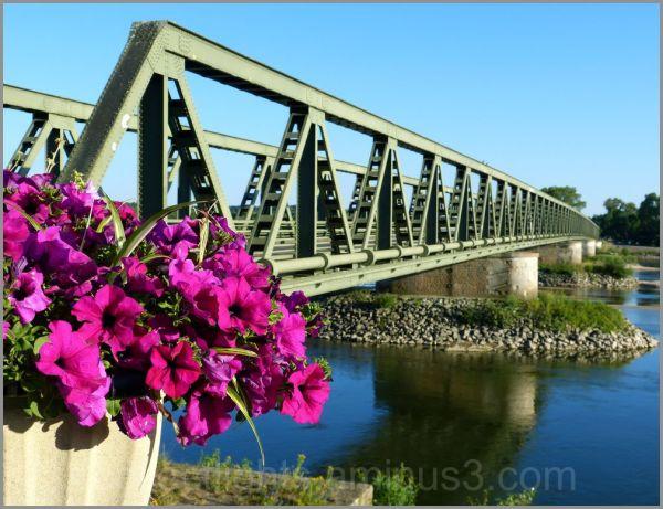 Enjambant la Loire