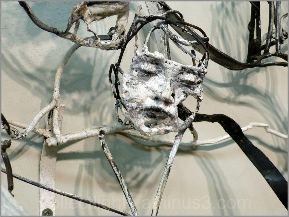 Hung sculpteur de fer, joue avec le feu 4/7