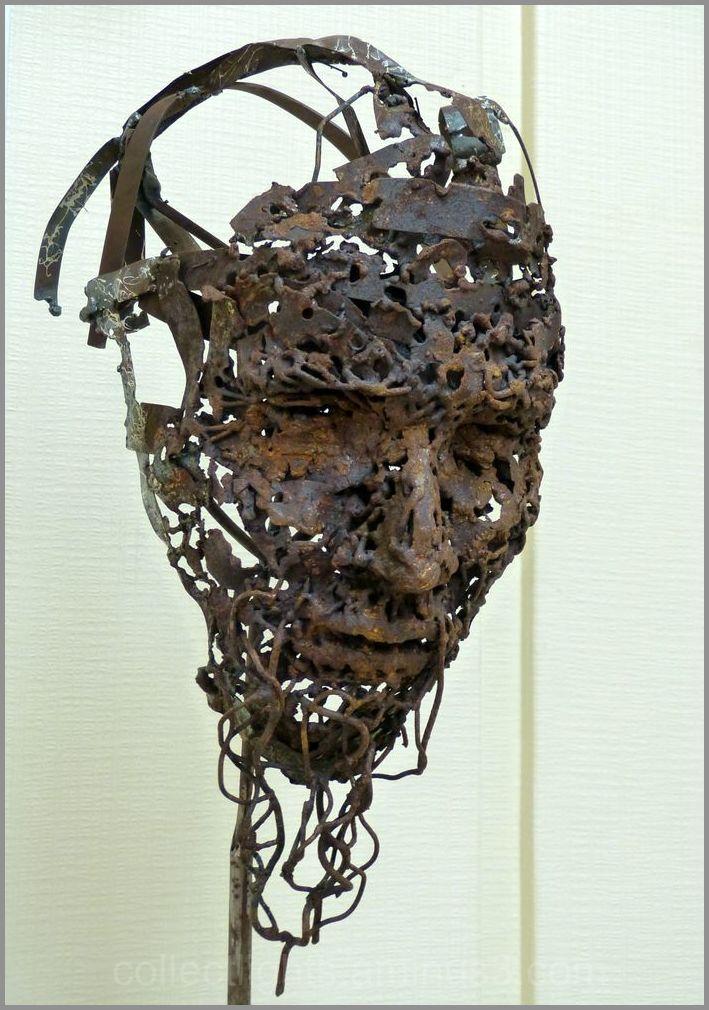 Hung sculpteur de fer, joue avec le feu 6/7