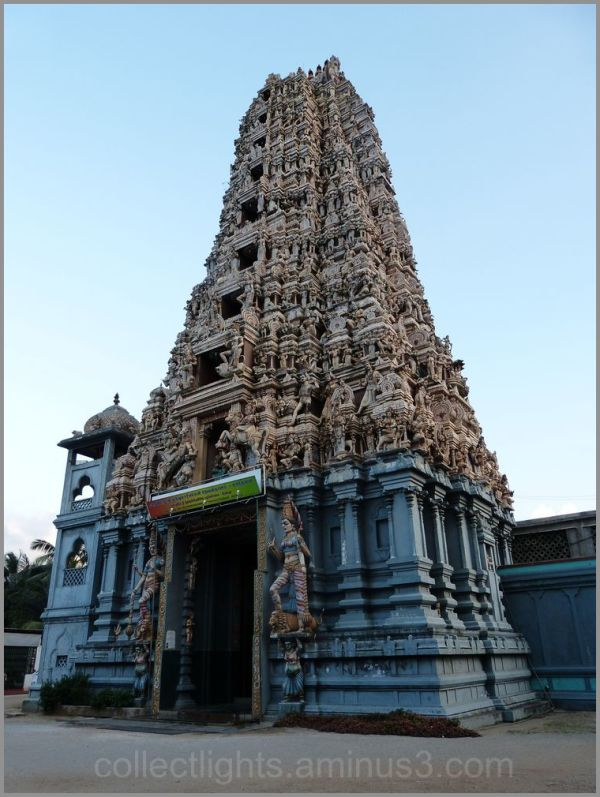 Le temple de Muthumariamman à Matalé 1/...