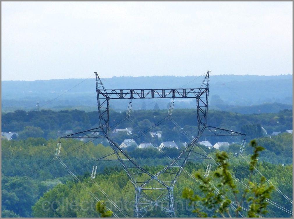 Quand le pylone structure le paysage