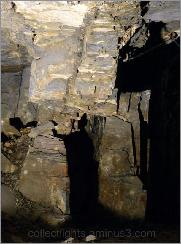 Théâtre d'ombres au fond de la mine