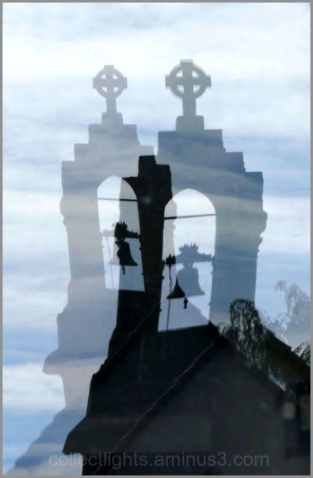 Un double reflet dans la fenêtre