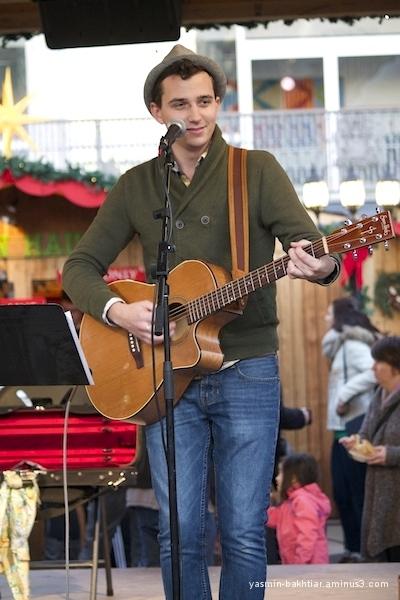 Vancouver Christmas Market - Musical performance 2