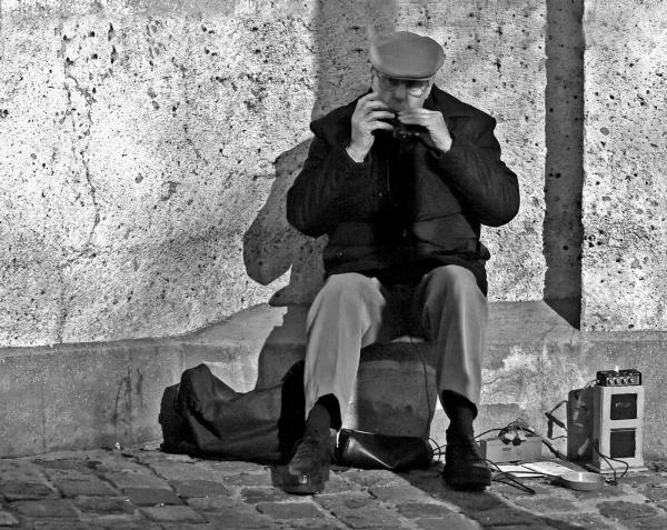 Montmartre L'harmonica des rues