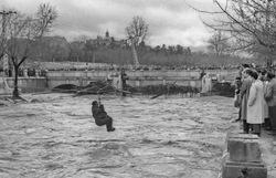El rio Manzanares desbordado