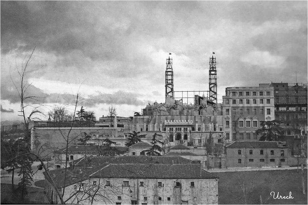 La Catedral de la Almudena en construcción
