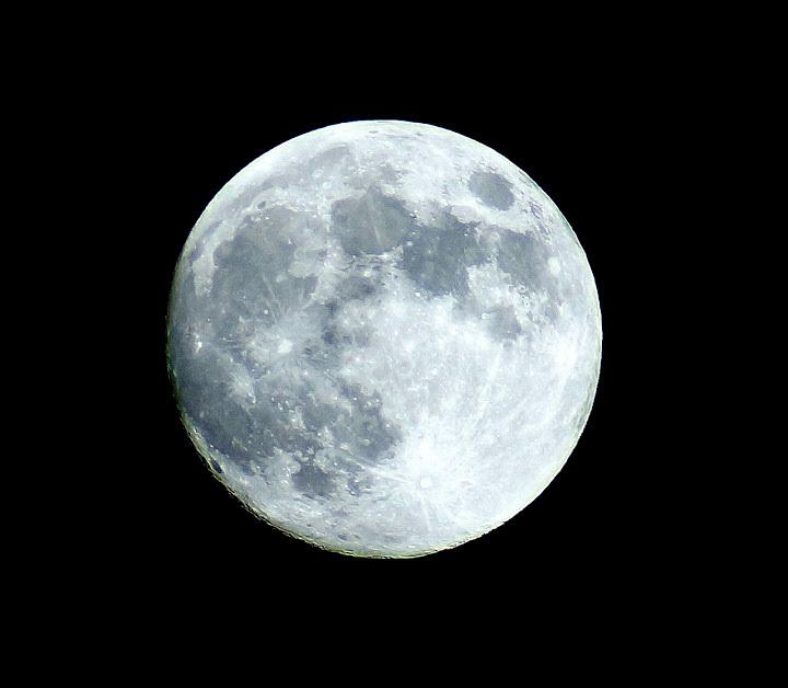 Beautiful view of full moon