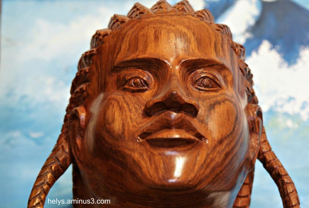 sculpture dans bois de rose  artisanat madagascar