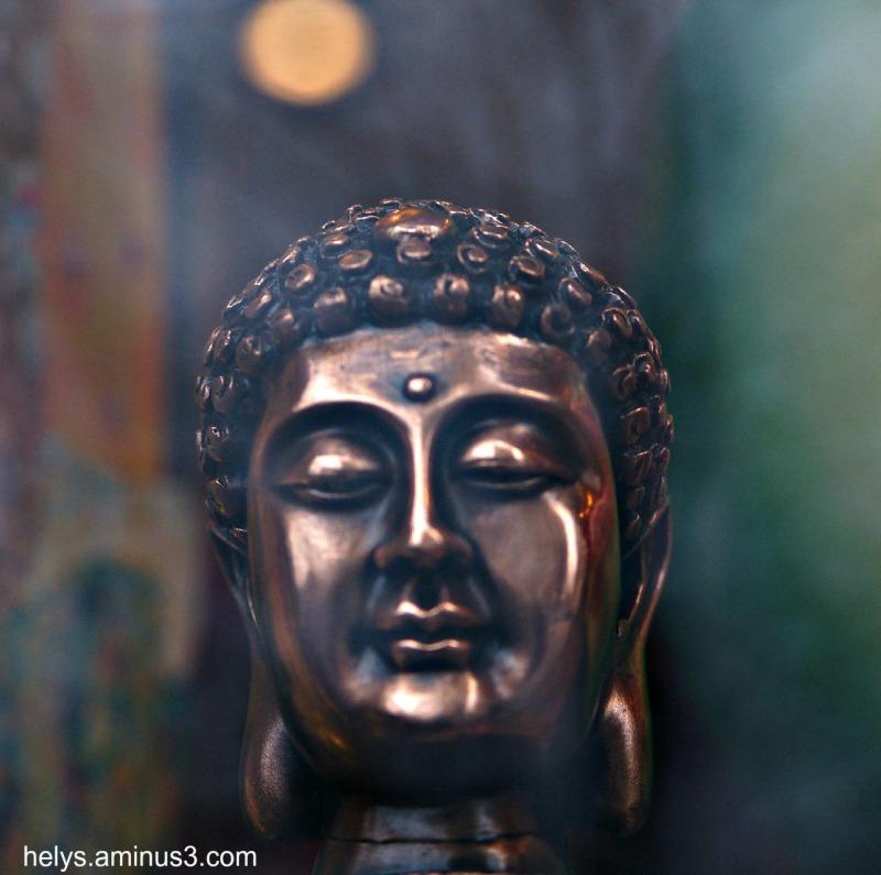 Tête de bouddha, sculpture - Vitrine, Paris 13