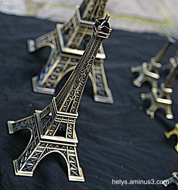 Eiffel tower gift