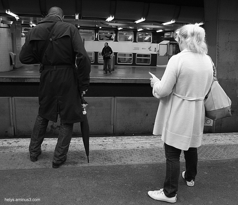 waiting for the metro bw