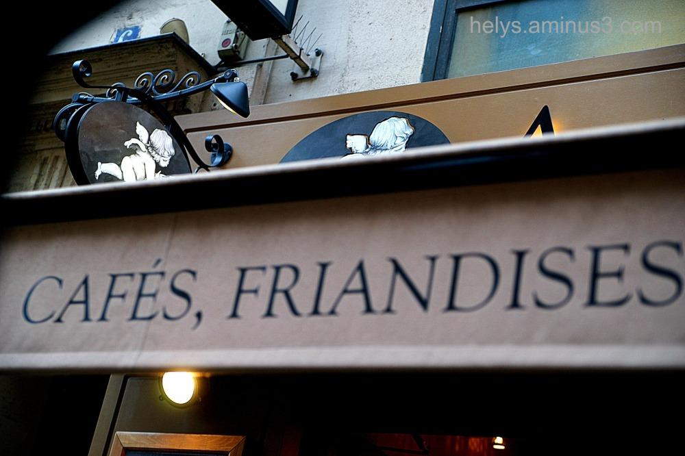Paris: An angel in the coffee bar