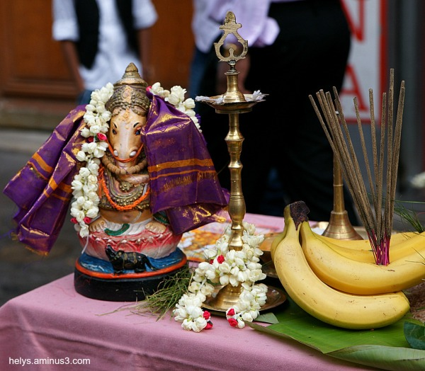 Ganesh party, Paris 2014: Traditions2