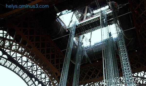 Eiffel tower1