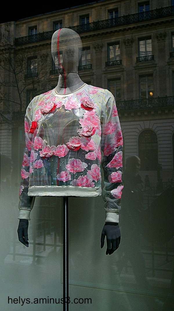 Paris Shop windows: Pink and black