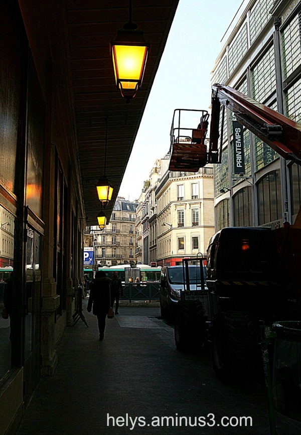Paris: lights, lines