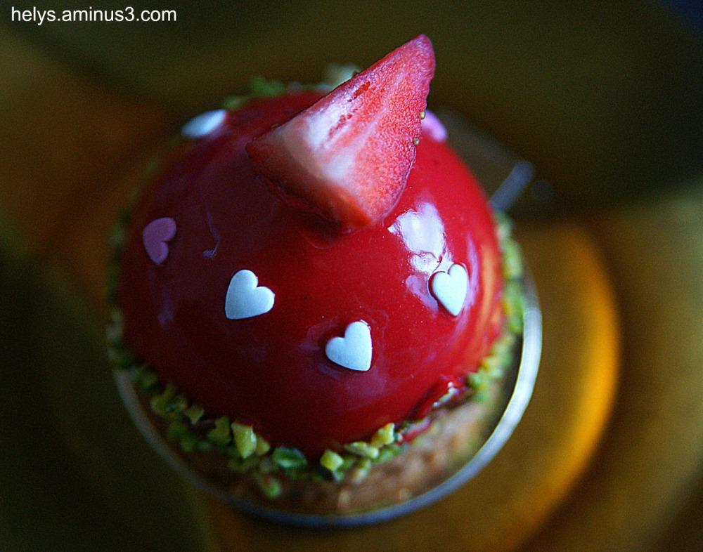 strawberry, pistache cake