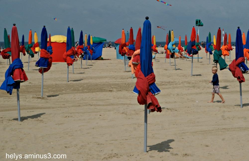 parasols, deauville france4