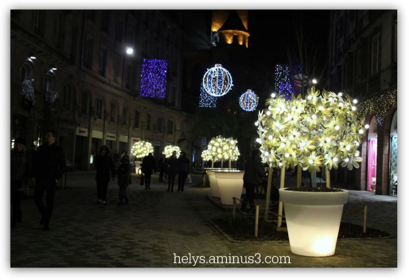 christmas decorations in strasbourg9