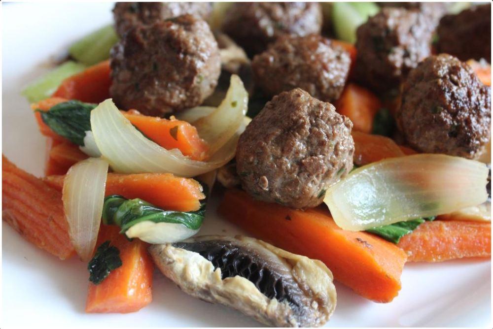 meatblas in maushroom and vegetables