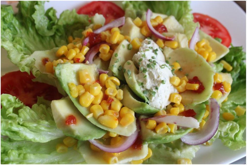 a cheese avocado salad1