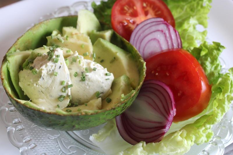 a cheese avocado salad3