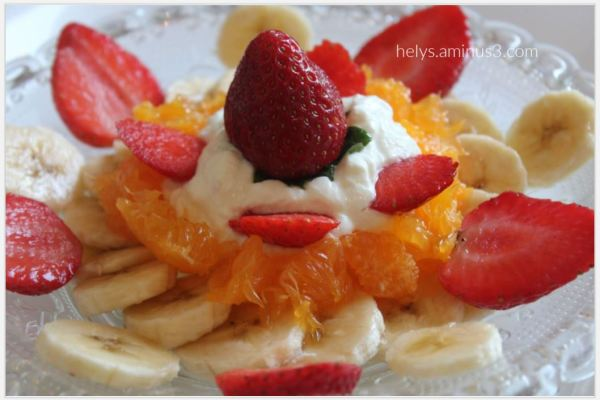 fruit salad yogurt