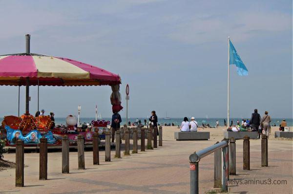 magic roundabout, deauville plage F14