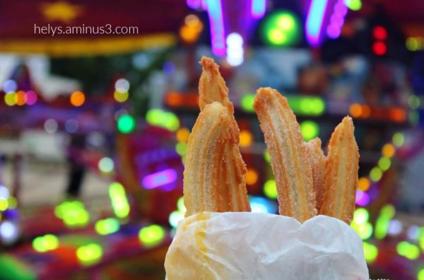 2-carnival mood: chichis (sweet french fritters)