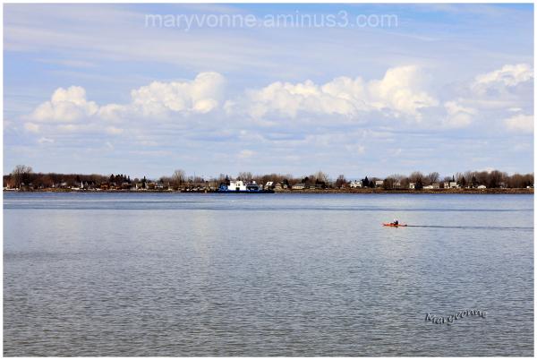 fleuve eau kayak rive nuages traversier