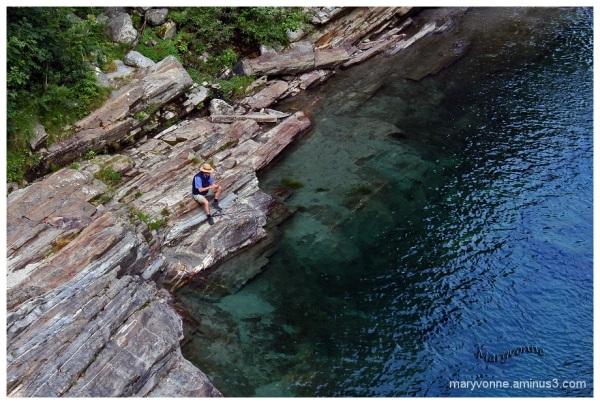 eau rivière pêcheur