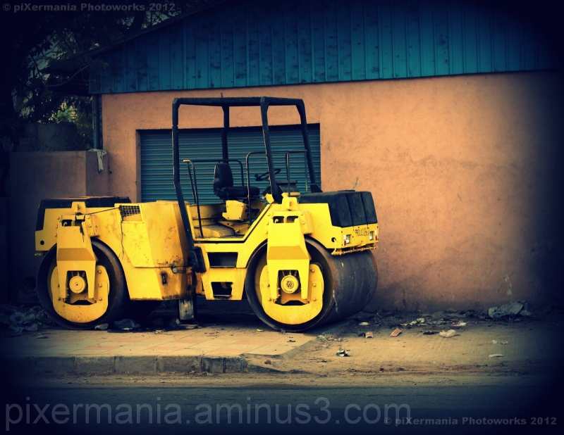 Picture of Roadroller in bangalore street