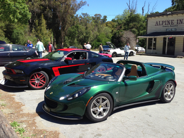 Lotus Elise & Ford Mustang Boss