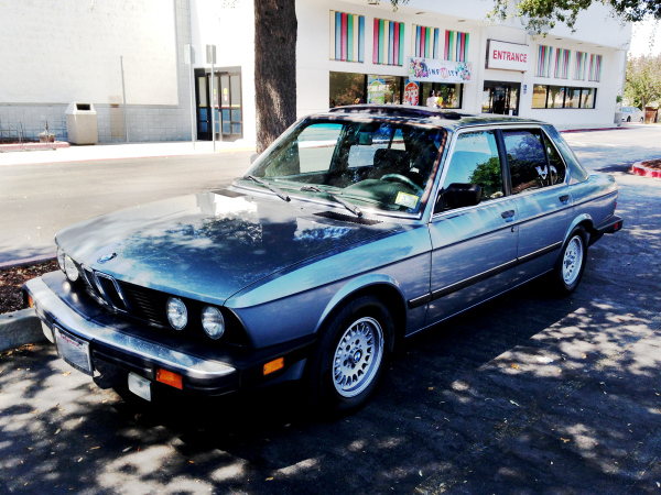 BMW 528i (E28)