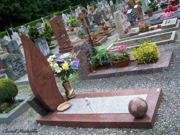 Cimetière à Martigny en Suisse
