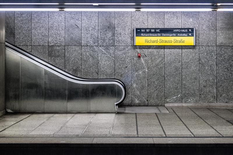 Richard-Strauss-Strasse U-Bahn station, Munich