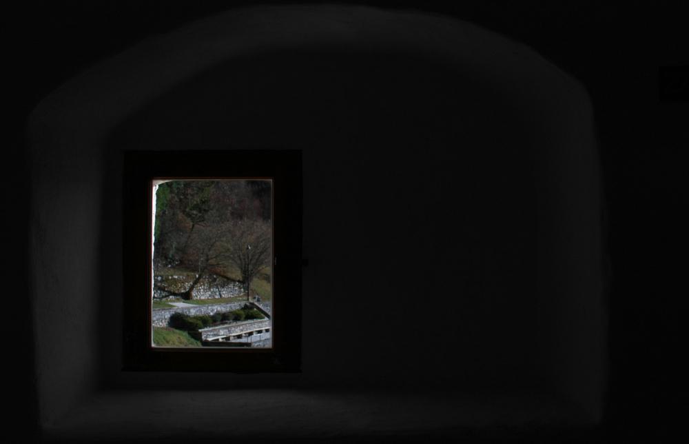 frame into frame