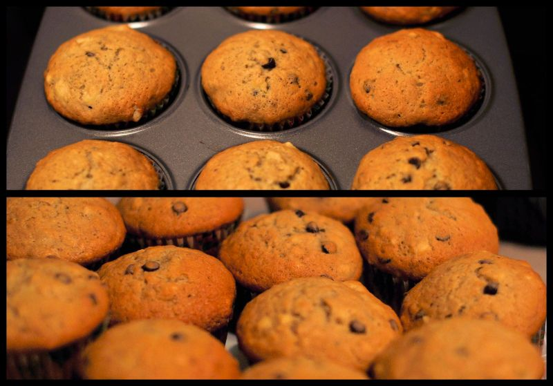 Muffins in the oven and on the table