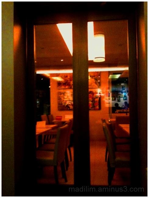 dining area, restaurant
