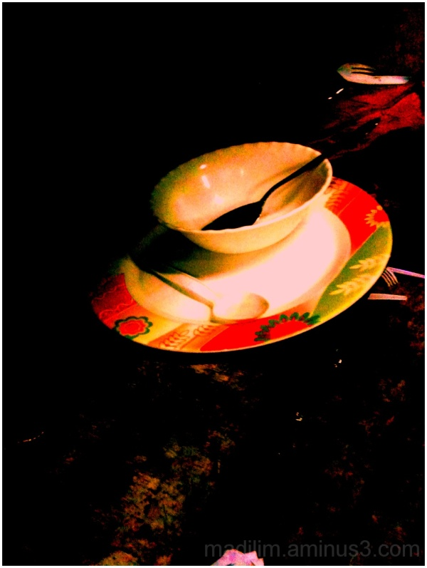 empty plate and bowl