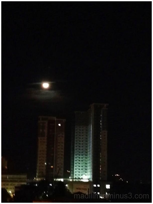 moonmentary