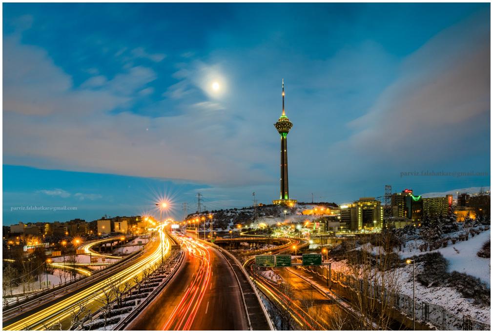 #tehran #milad_tower #parvizfalahatkar #moon_shine