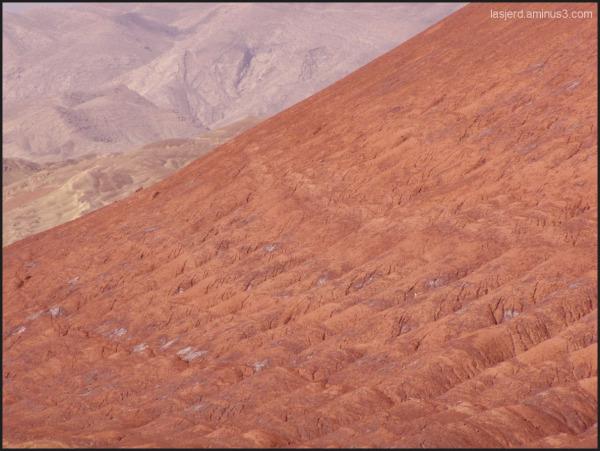 کوه های مریخی روستای لاسجرد