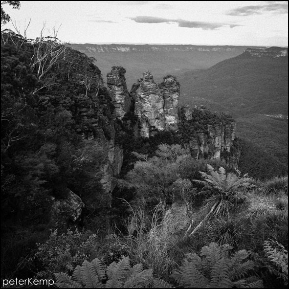 3 sisters, katoomba, blue mountains, australia