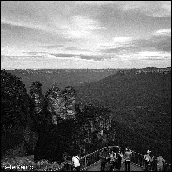 three sisters, katoomba, blue mountains, australia